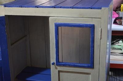 Restaurando un mueble azul para el ba o casa rural for Ruta del mueble